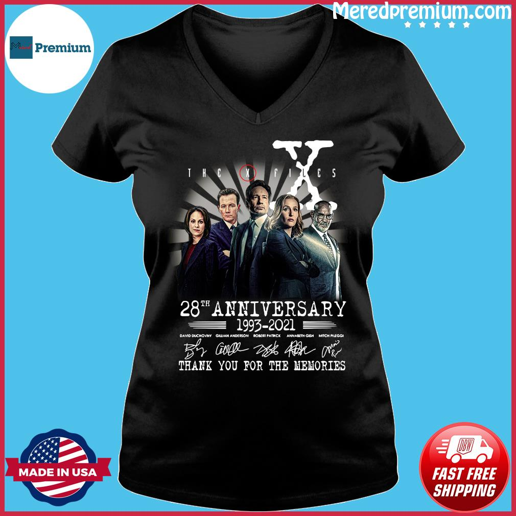 The X Files 28th Anniversary 1993 2021 Thank You For The Memories Signatures Shirt Ladies V-neck